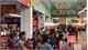 Lượng khách mua sắm tại siêu thị, nhà hàng tăng đột biến, giá hàng hóa bình ổn