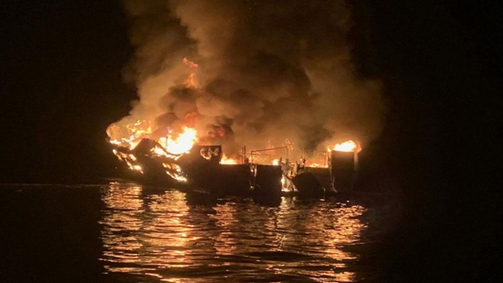 Cháy tàu tại Mỹ, 25 người thiệt mạng, mất tích