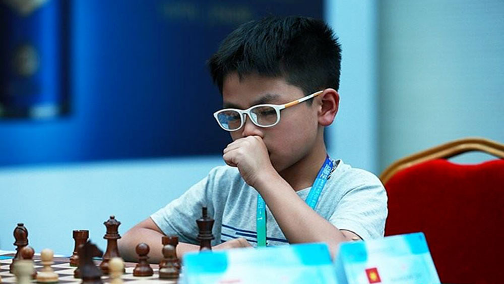 Vietnamese boy wins bronze at World Cadet Chess Championship