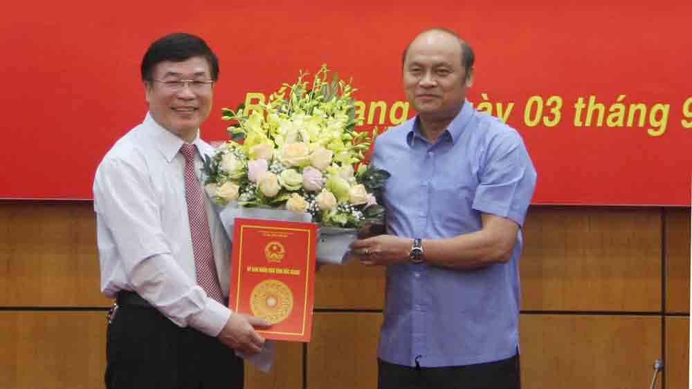 Ông Lê Tuấn Phú giữ chức Chánh Văn phòng UBND tỉnh Bắc Giang