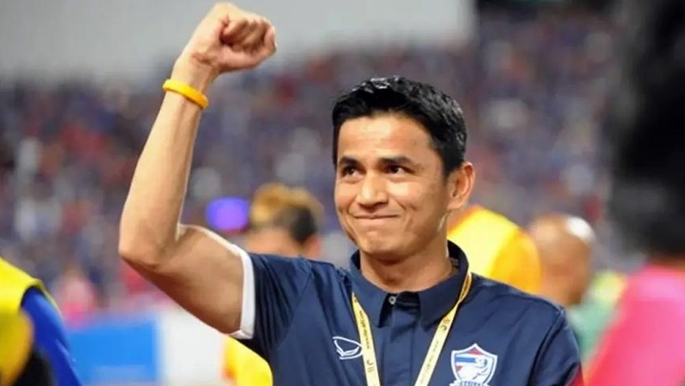 đội tuyển bóng đá Thái Lan, đội tuyển bóng đá Việt Nam, Kiatisuk Senamuang