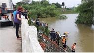 Vụ chiếc xe taxi lao xuống sông ở Thanh Hóa: Phát hiện thi thể tài xế