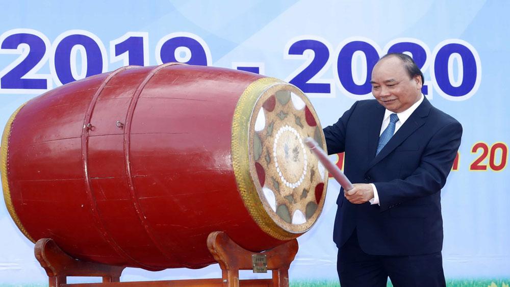 Thủ tướng Nguyễn Xuân Phúc, dạy chữ, quan trọng, dạy người, càng quan trọng hơn, Trường THPT Sơn Tây