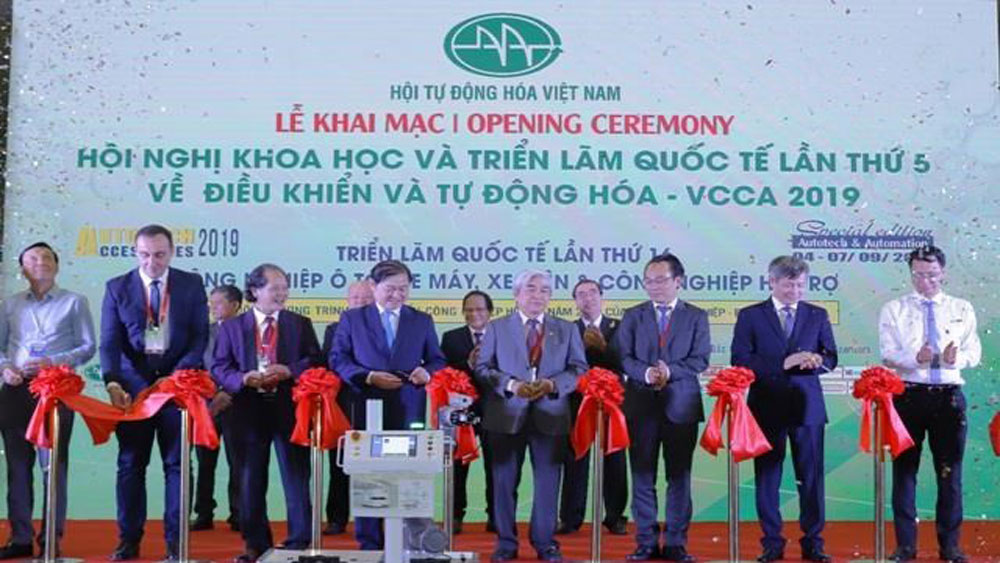 New, high-tech products, Hanoi, Vietnam and foreign countries, high-tech product, smart lighting and agriculture, young researchers