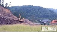 Chưa xử lý nghiêm doanh nghiệp khai thác vận chuyển đất san lấp mặt bằng sai vị trí so với quy định