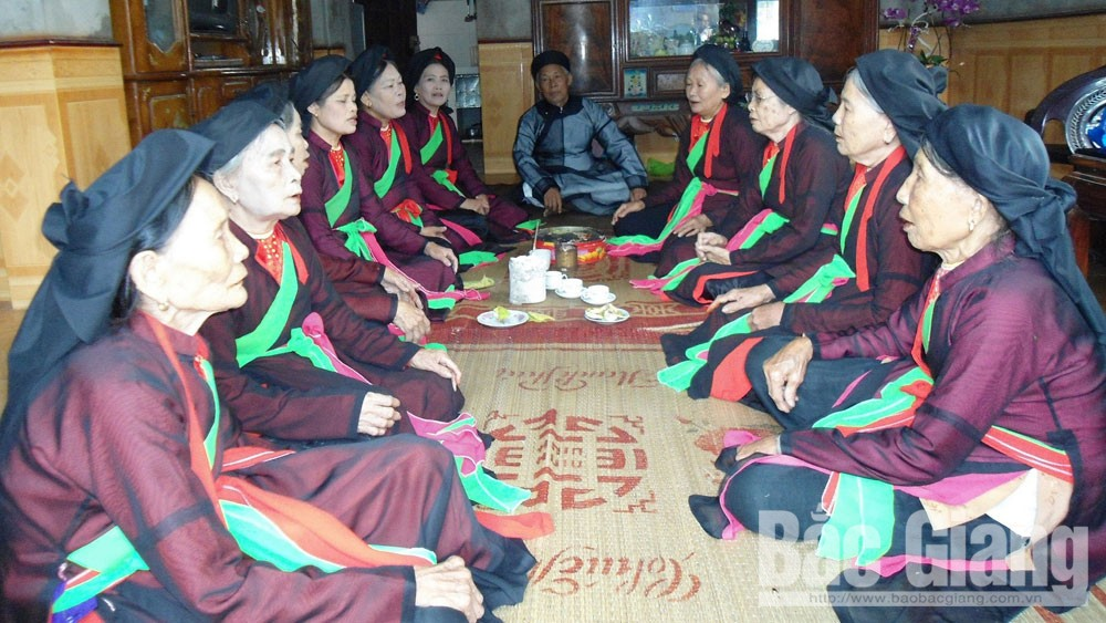 Artisan Hoac Cong Cho, Bac Giang province, ancient Quan ho, UNESCO,  love duet folk singing, intangible cultural heritage, living treasures