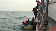 4 ngư dân trôi dạt trên biển được bộ đội biên phòng cứu sống