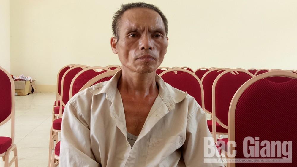Bắc Giang, bé trai 10 tuổi, bị bác họ chém trọng thương.