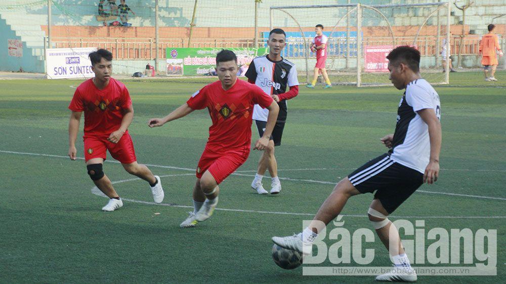 Gần 200 vận động viên tham dự Giải bóng đá doanh nhân trẻ tỉnh Bắc Giang
