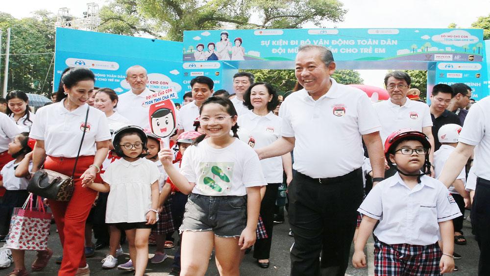 """Phó Thủ tướng Thường trực Trương Hòa Bình, phát động, cuộc vận động, """"Đội mũ bảo hiểm cho trẻ em"""""""