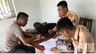 Bắc Giang: Không nhường đường cho xe chữa cháy, tài xế xe khách bị lập biên bản xử lý