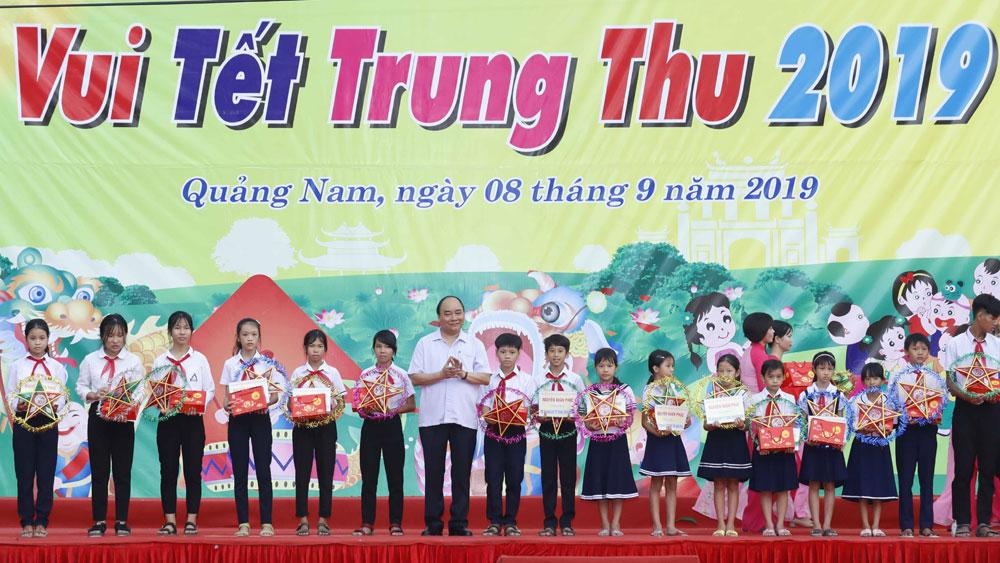 Thủ tướng Nguyễn Xuân Phúc, tặng quà Trung thu , trẻ em Quảng Nam