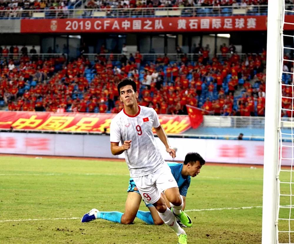 U22 Việt Nam, U22 Trung Quốc, HLV Park Hang-seo, World Cup 2022