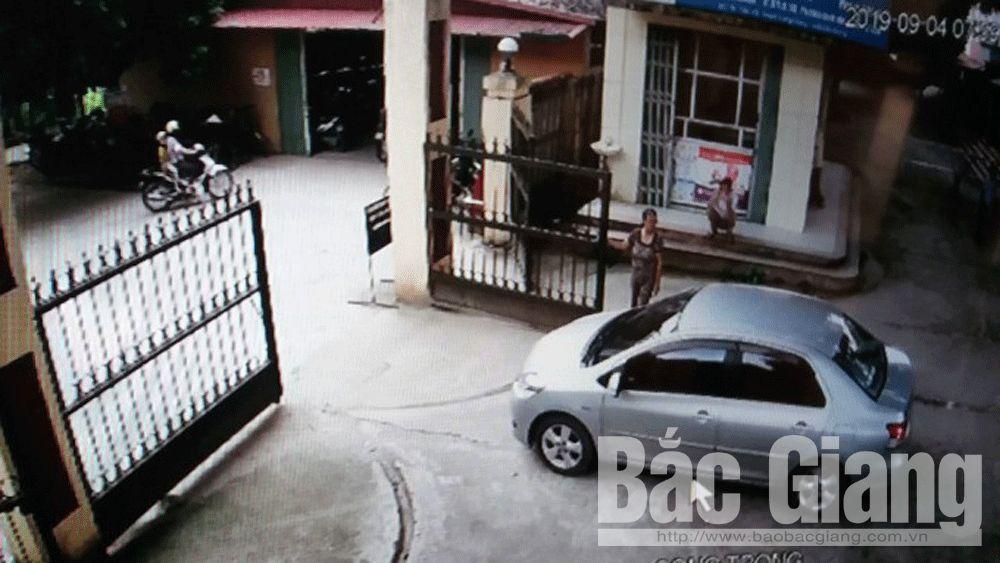 Trung tâm Y tế huyện Lạng Giang; thu tiền trông giữa xe trái quy định, ông Nguyễn Doanh Phương