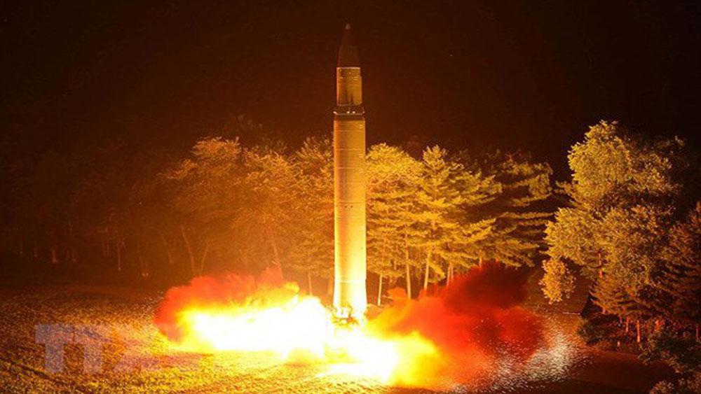 Triều Tiên phóng 2 vật thể chưa xác định về phía Đông