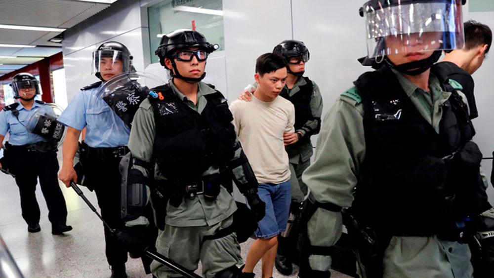 Trung Quốc, cảnh sát Hong Kong, bắt giữ, gần 160 người biểu tình quá khích, 3 ngày