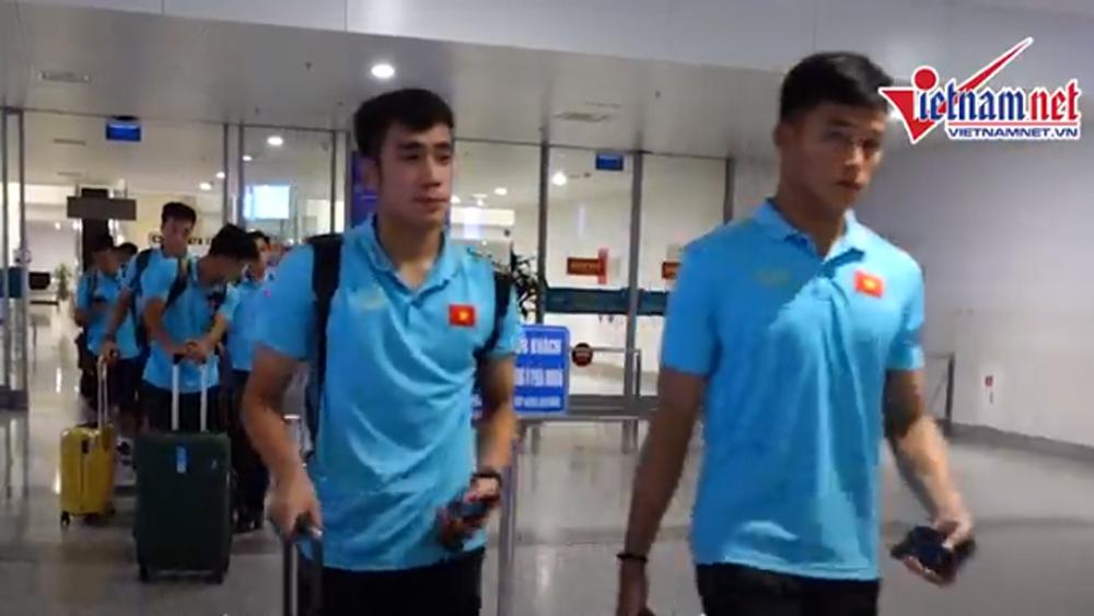 U22 Việt Nam về nước sau chiến thắng U22 Trung Quốc: Vắng thầy Park, Tiến Linh