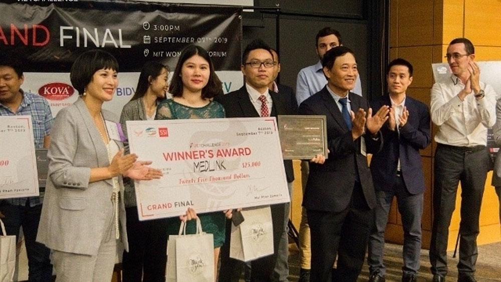 Medlink wins first startup contest VietChallenge 2019