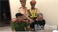 Cảnh sát giao thông Bắc Giang bắt hai đối tượng thuê taxi vận chuyển ma túy