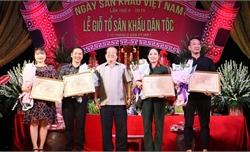 Kỷ niệm Ngày Sân khấu Việt Nam lần thứ 10 và tôn vinh các nghệ sĩ lão thành