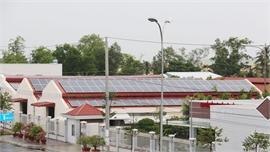Lắp đặt điện mặt trời mái nhà: Cần sớm có quy định giá mua điện mới