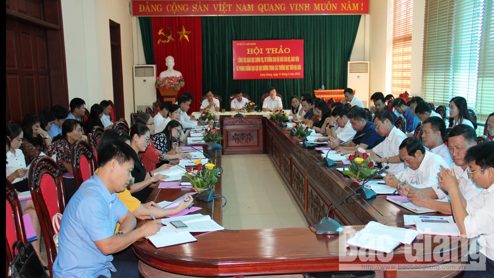 Lạng Giang: Tăng cường giáo dục lý luận chính trị, tư tưởng; phòng chống bạo lực học đường