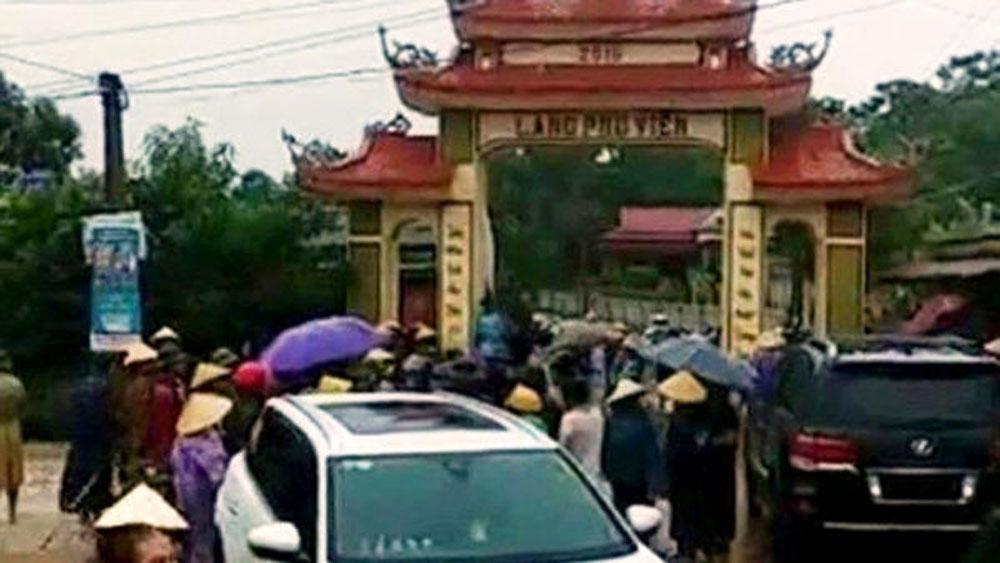 Giám đốc mỏ đất, điều côn đồ, đập phá cổng làng ở Thanh Hóa,  Công an huyện Nông Cống, côn đồ đập phá cổng làng Phú Viên