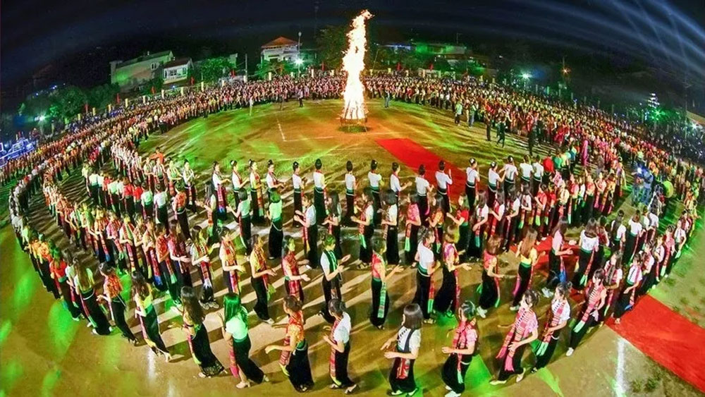 Yen Bai to host world biggest Xoe folk dance