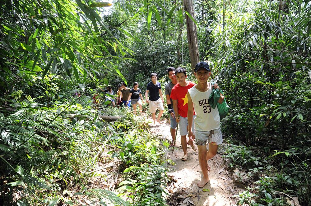 Bac Giang province, tourism motion, ancient Kinh Bac region, diverse land form,  primitive beauty, attractive destination, domestic and foreign tourists