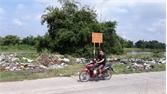 TP Bắc Giang: Ngổn ngang phế thải xây dựng trên phố, ven đê