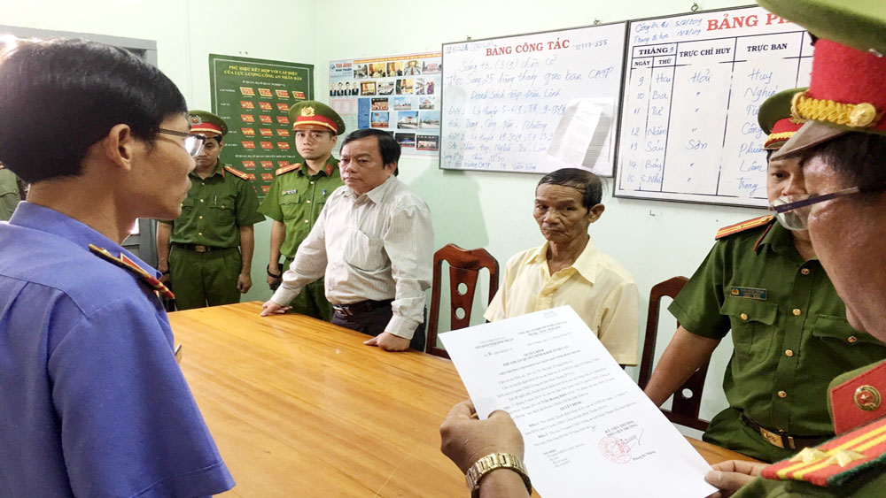 Bình Thuận, Bắt tạm giam, Phó Chủ tịch UBND TP Phan Thiết,  ông Trần Hoàng Khôi, Phạm Thanh Thái, Lê Hoàng Anh Tân,