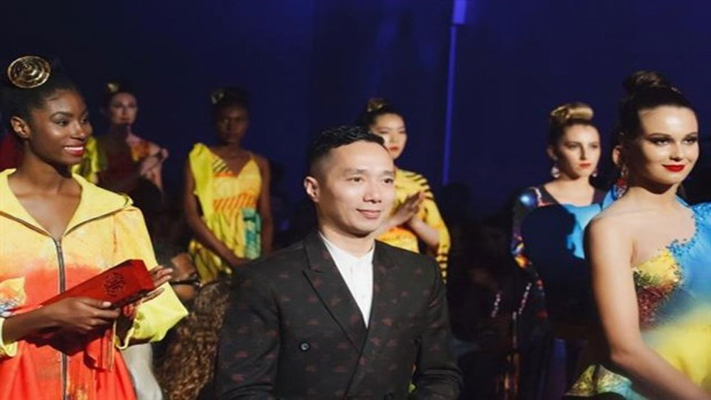 Vietnamese fashion designers showcase works in New York