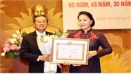 Chủ tịch Quốc hội Nguyễn Thị Kim Ngân dự Lễ trao tặng Huy hiệu 60 năm, 45 năm, 30 năm tuổi Đảng