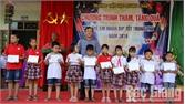 Việt Yên: Tặng quà Trung thu cho học sinh khó khăn