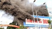 Cháy nhà ra... lỗ hổng