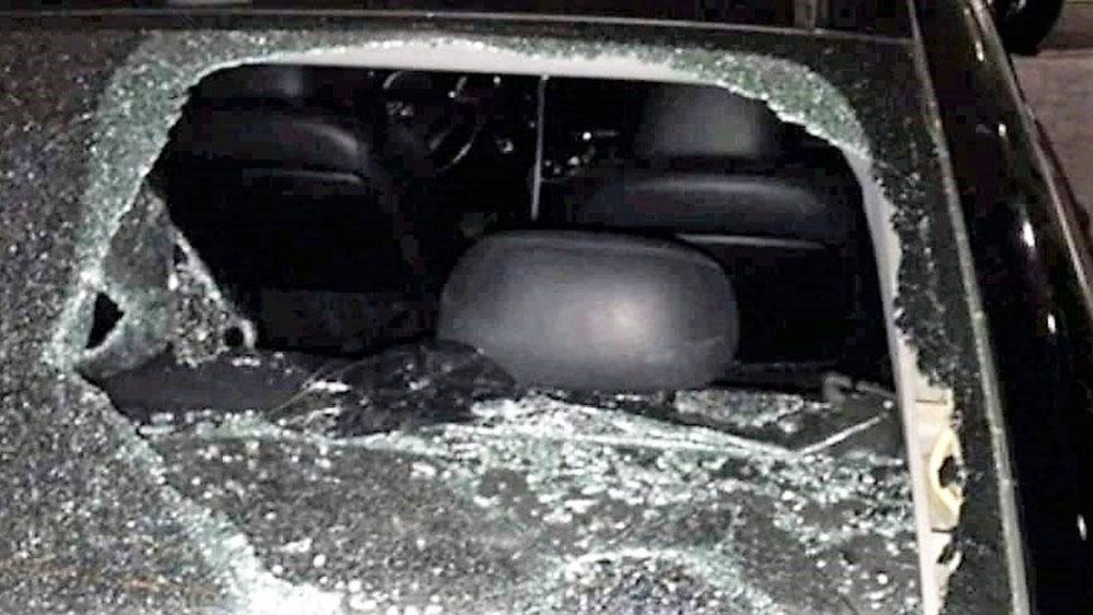 Khởi tố Xã đội trưởng đập vỡ kính xe của Bộ Công an