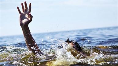 Trượt chân xuống bể bơi gia đình, một cháu nhỏ 2 tuổi ở Bắc Giang tử vong