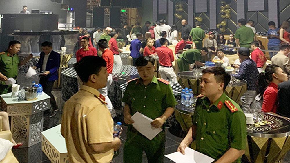 Dân chơi, ném ma tuý, cảnh sát kiểm tra quán bar, quán bar 386 Hùng Vương