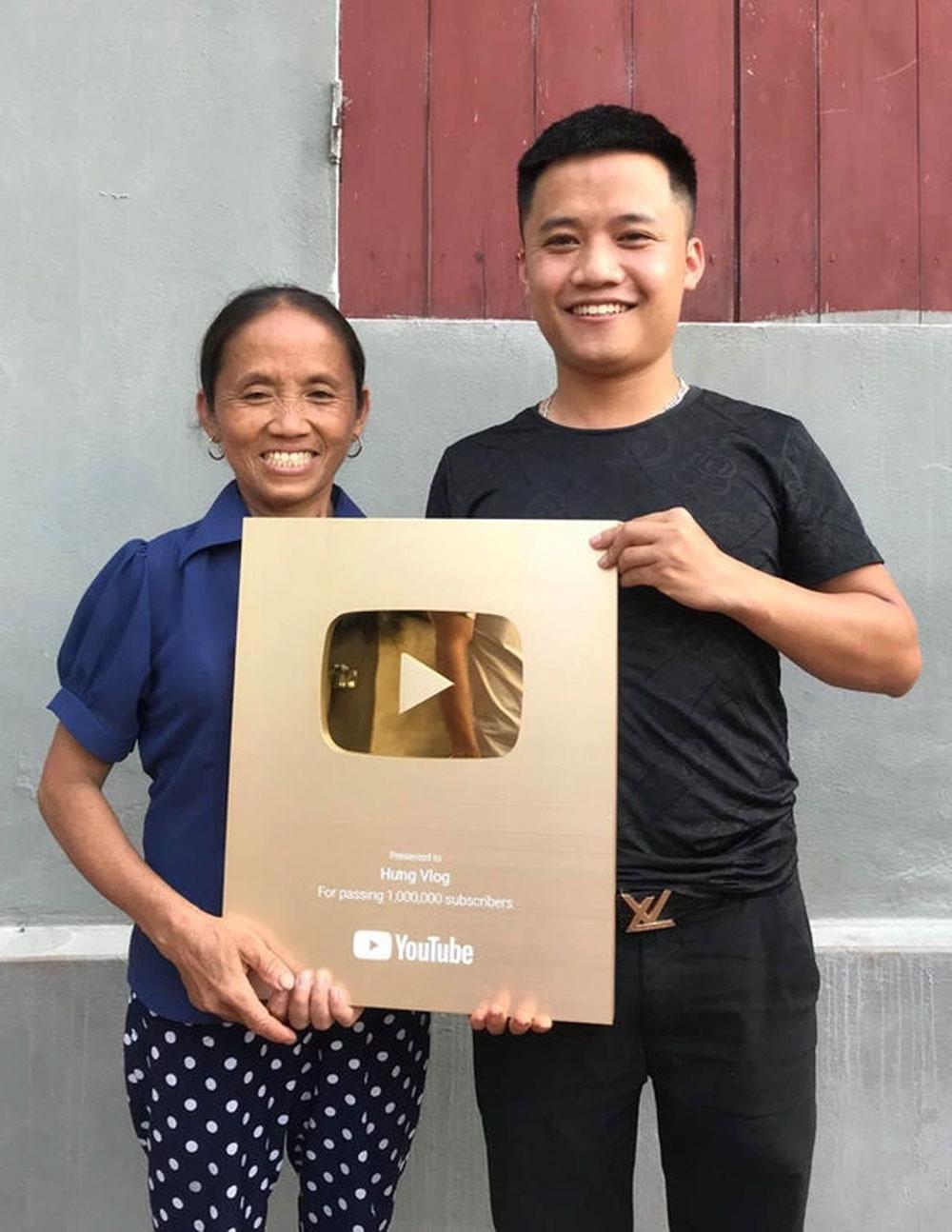 Bà Tân Vlog, kiếm 400 triệu đồng/tháng, hai con trai, Youtuber