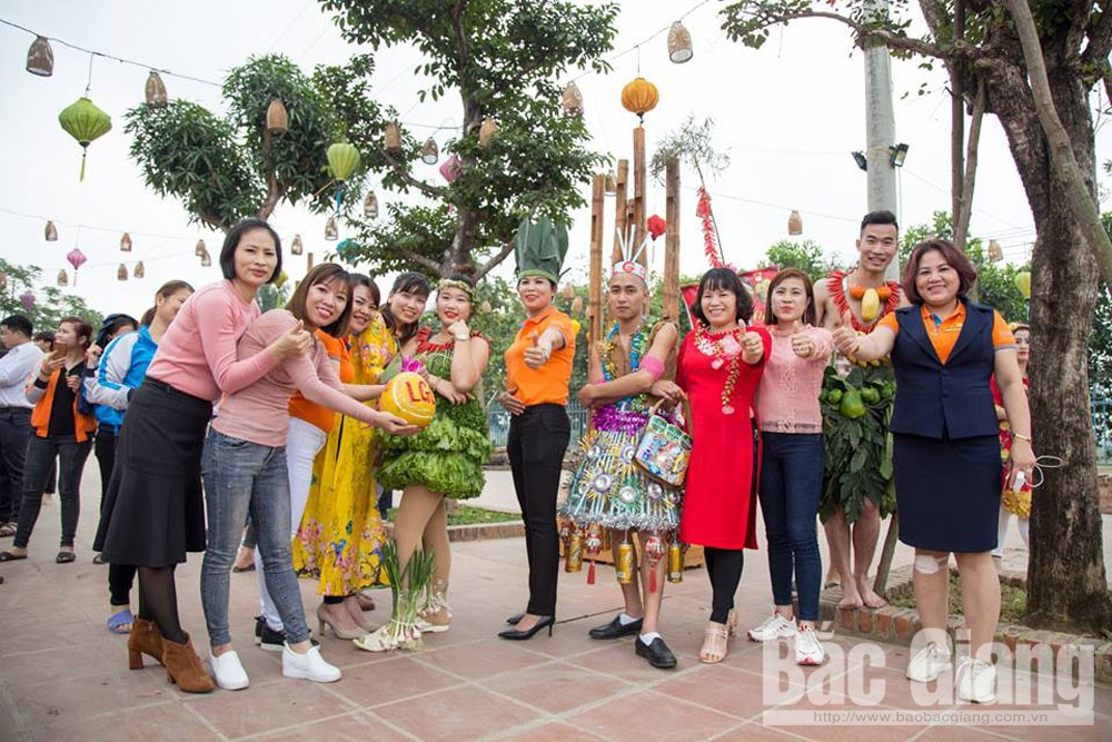 Bac Giang province, playground for worker, youth union, trade union, youth workers, spiritual life,  Fashion Dance, Mid-Autumn Festival