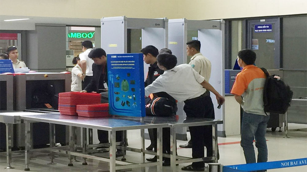 Hành khách, tháo rời súng, đem lên máy bay, sân bay Nội Bài