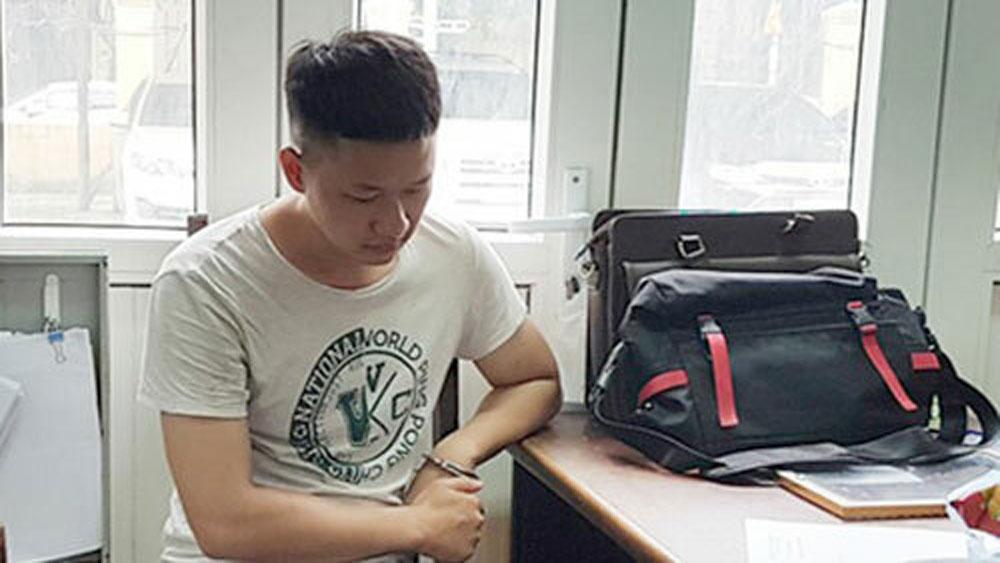 Kẻ chuyên trộm cắp, công sở, Nguyễn Khánh Hưng