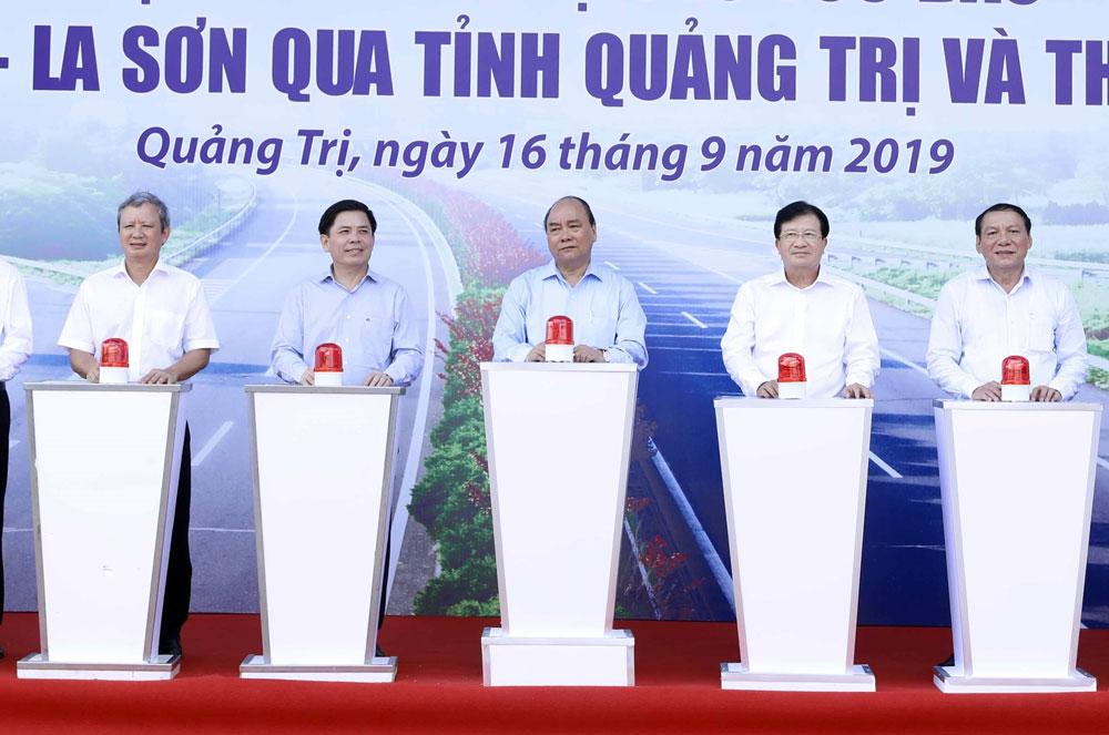 Thủ tướng Nguyễn Xuân Phúc, phát lệnh khởi công, tuyến Cam Lộ - La Sơn, Dự án đường bộ cao tốc Bắc - Nam