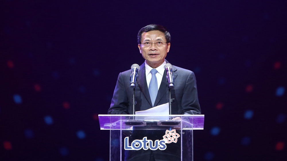 Ra mắt, mạng xã hội, make in Vietnam Lotus