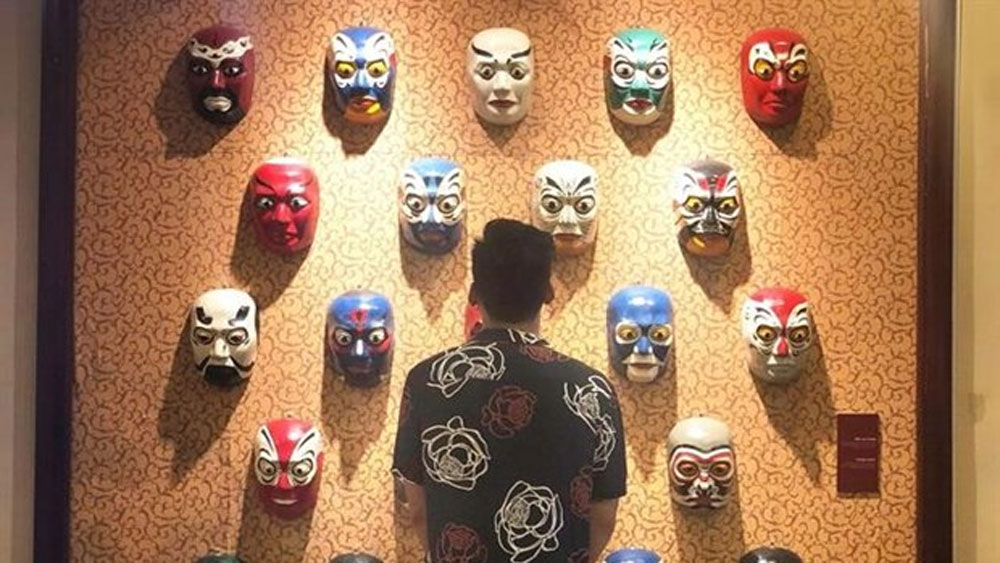 Art exhibition, Vietnamese classical drama, Tuong, Vietnam Tuong Theatre, art lovers, art of tuong, classical drama, Behind the Mask