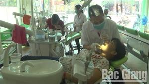 Khám răng miễn phí cho người mù