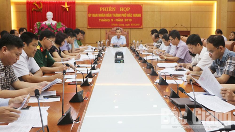 UBND TP Bắc Giang,  họp phiên,  thường kỳ tháng 9