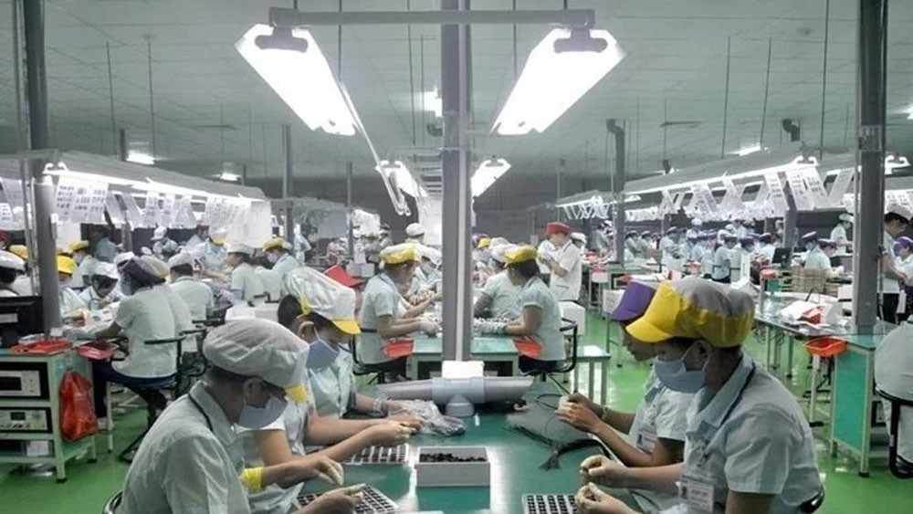 Vietnam tops regional peers in FDI attractiveness