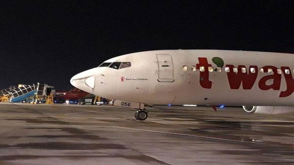Máy bay Hàn Quốc, hạ cánh khẩn, Tân Sơn Nhất, tiếng động lớn