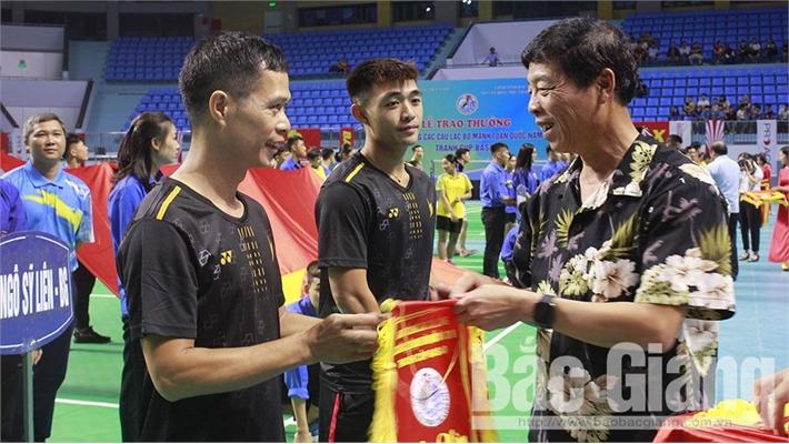 Hơn 300 vận động viên tham dự Giải cầu lông các câu lạc bộ mạnh toàn quốc tranh cúp Basao năm 2019